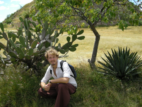 OAX_Monte Alban VII me in front of some cactus